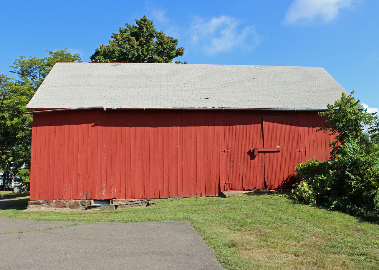 Meetinghouse Hill Barn South